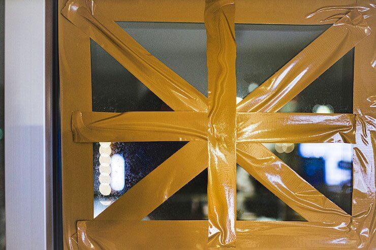 窓ガラスの補強
